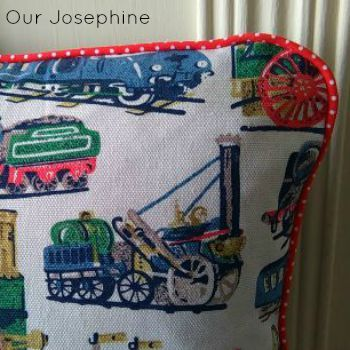 Our Josephine Sews… The Piped Envelope Back Cushion