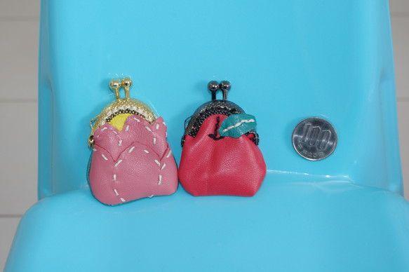 本革のりんごと蓮のミニミニがま口です一つの値段です・蓮 ・りんごご購入の際は備考でお知らせください内側は綿生地です薬や指輪、非常用小銭入れ(500円入ります)...|ハンドメイド、手作り、手仕事品の通販・販売・購入ならCreema。