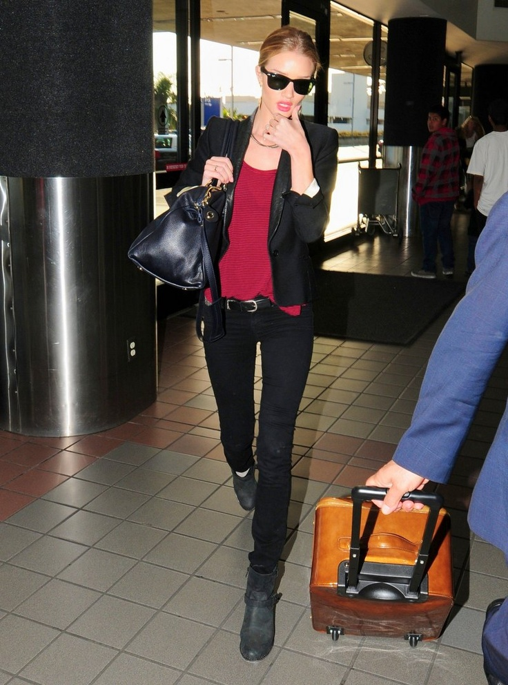 RHW: Rosie Huntington Whiteley, Fashion Style, Airports, Models Style, Outfit, Rosie Style, Airport Style, Black