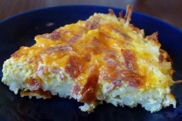 Ham and Cheese Breakfast Quiche with hashbrown crust