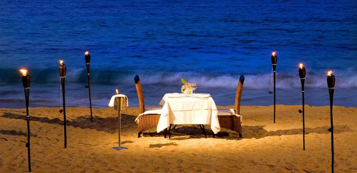Une décoration extérieure minimaliste pour laisser place à la beauté naturelle du lieu et ainsi garantir un diner romantique agréable