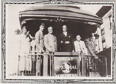 FRANKLIN ROOSEVELT ELEANOR ROOSEVELT GREAT NORTHERN TRAIN ANTIQUE SNAPSHOT PHOTO