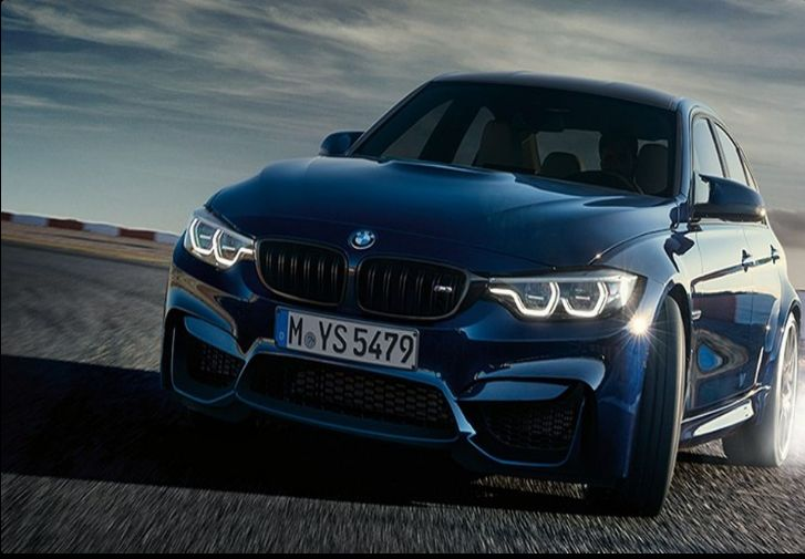 The 2018 BMW M3 offers outstanding style and technology both inside and out. See interior & exterior photos. 2018 BMW M3 New features complemented by a lower starting price and streamlined packages. The mid-size 2018 BMW M3 offers a complete lineup with a wide variety of finishes and features, two conventional engines.