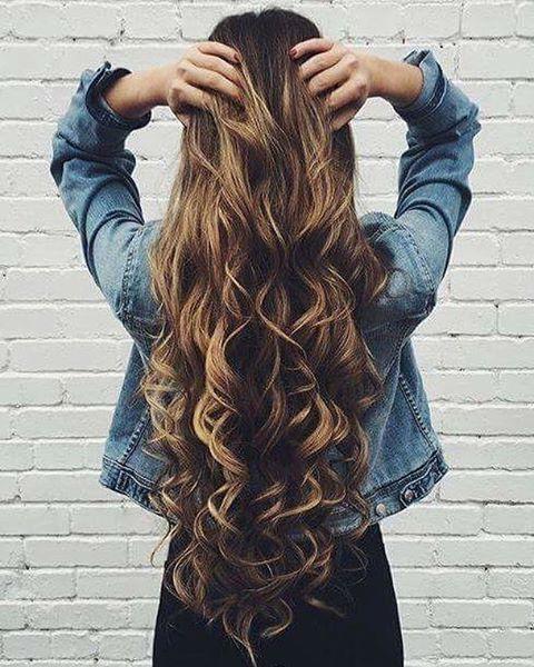 Si quieres que tu cabello crezca más rápido, cepíllalo de abajo hacia arriba. #hair #hairstyle #wavyhair