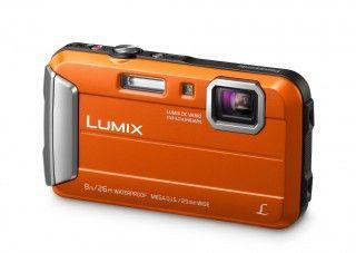 Panasonic bringt verbesserte Outdoor- und Selfie-Kamera.  Markteinführung im März. Die Lumix FT30 ist jetzt bis acht Meter wasserdicht, die Lumix SZ10 kommt mit Klappmonitor und Wi-Fi