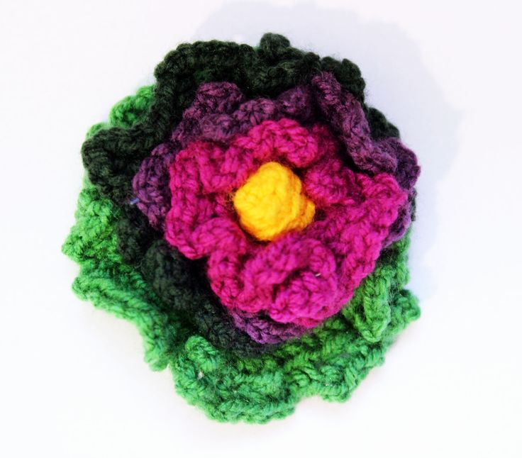 handmade broche https://www.facebook.com/photo.php?fbid=607855425920100&set=a.459653944073583.98419.456189844419993&type=1&theater #flowerbroche