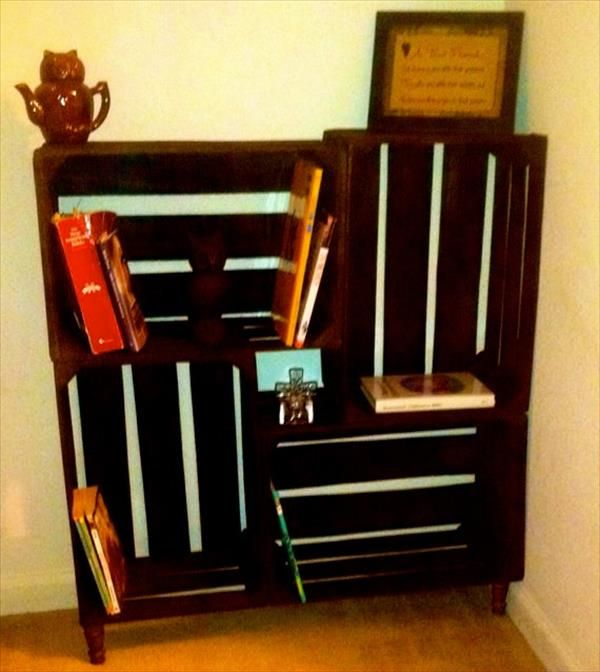 Diy crate bookshelf pallet furniture diy new house for Diy crate furniture
