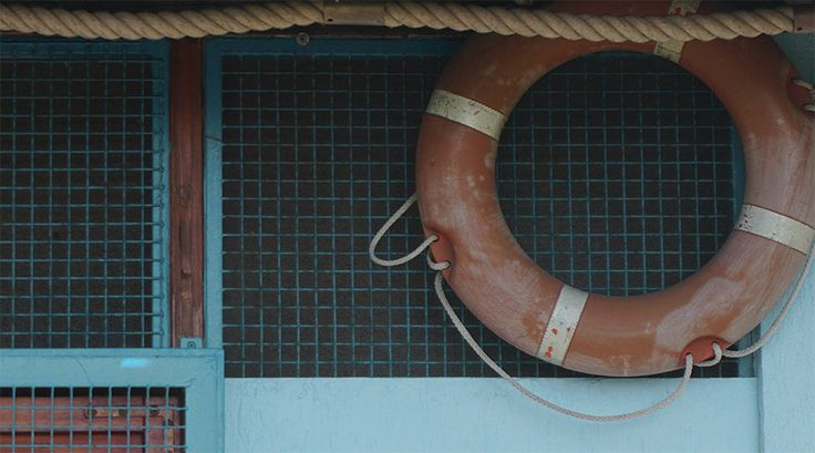 Unique free image of Old lifebuoy for commercial projects, blog, wordpress templates. Creative common. No attributes.