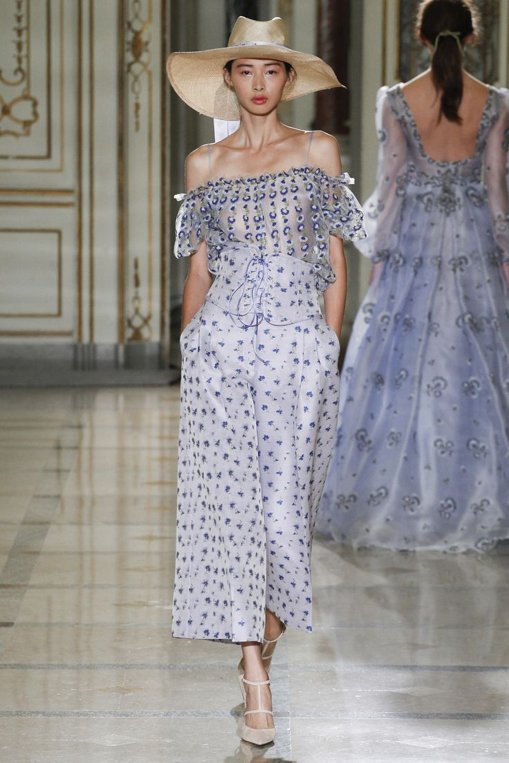 Luisa Beccaria Spring 2016 Ready-to-Wear Collection Photos - Vogue  http://www.vogue.com/fashion-shows/spring-2016-ready-to-wear/luisa-beccaria/slideshow/collection#11