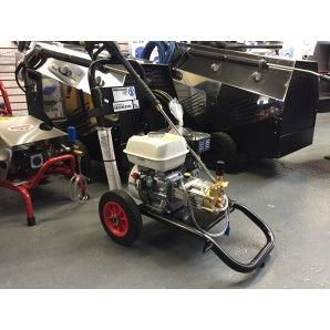 Choose a pressure washer from our range of commercial and domestic jet washers from Kärcher, Nilfisk, Mazzoni and Lavor. We offer a range of cold and hot water pressure washers and a choice between petrol pressure washers and electric pressure washers. Our power washers are all capable of tackling the toughest of cleaning jobs and come with a range of spare parts and accessories so you are guaranteed to find the best pressure washer for the job.