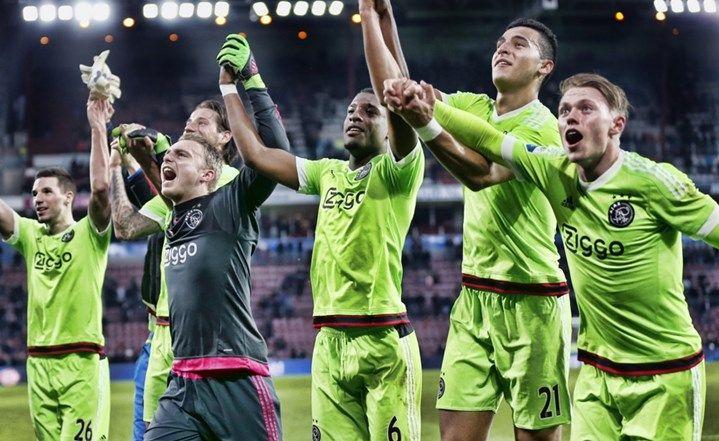 Ajacieden juichen PSV=AJAX 0-2 20-03-16