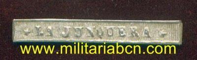 España. Epoca Alfonso XII. Pasador para la Medalla de Distinción de Alfonso XII: La Junquera . - Militària BCN
