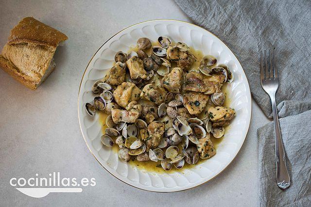 Guiso de pollo con almejas, un mar y montaña para rebañar el plato | Cocinillas.es | Bloglovin'