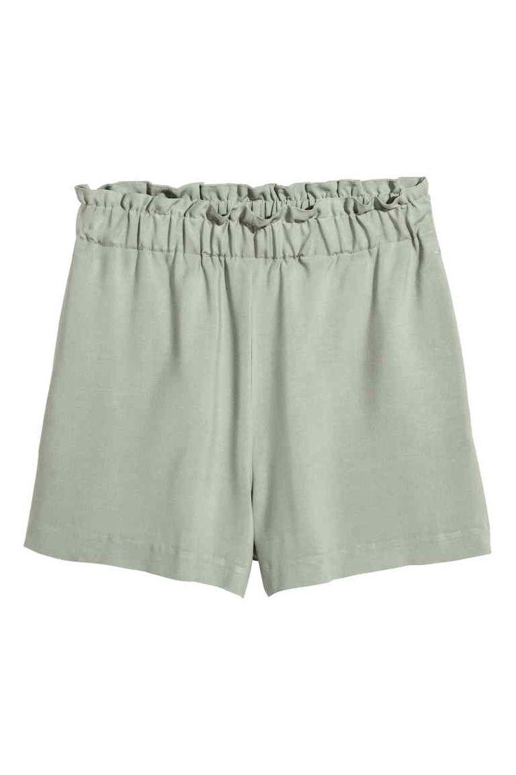 Pantaloni scurți largi - Verde-întunecat - FEMEI   H&M RO