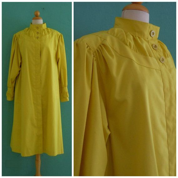 80's yellow trench coat // lightweight tent shaped trench