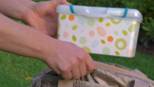 Watch This Diaper Bag Hack Is Pretty Dang Smart from NBC TODAY Show. Organize your diaper bag with this easy hack! Thanks to artist and mom Elizabeth Rasco for devising this clever method and sharing it with all of us on her Facebook page at The Painted Dragon.