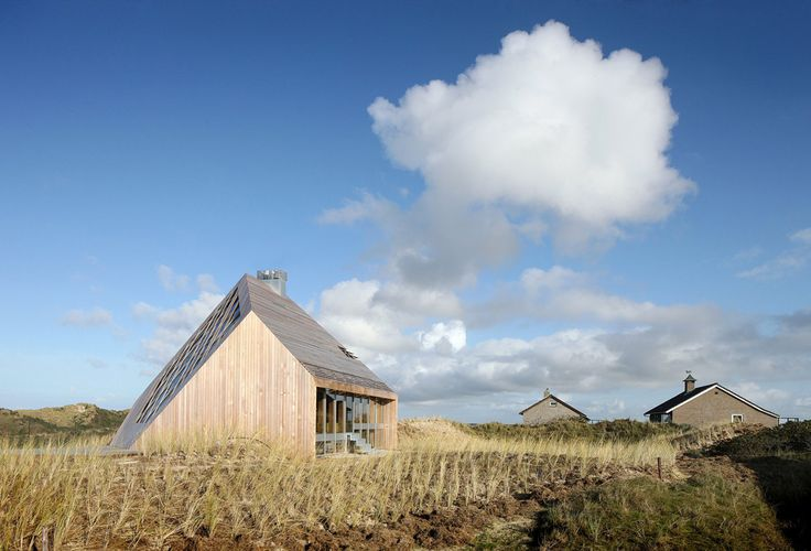 Dune House: A Fitting Example of Critical Regionalism by Marc Koehler Architects - Archute