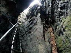 Skalní průrva Úzké schody u Jetřichovic