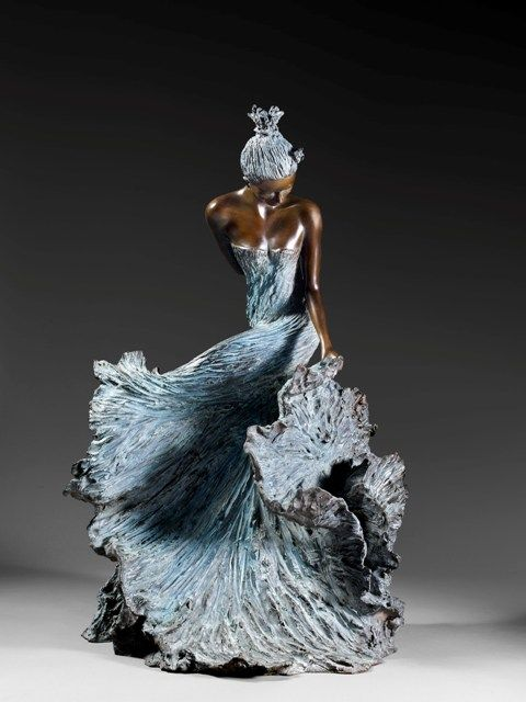 made by: Nathalie SEGUIN (from France) - Bronze sculpture