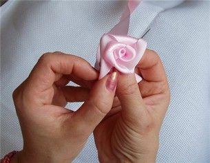 Návod na výrobu kvetu zo stuhy