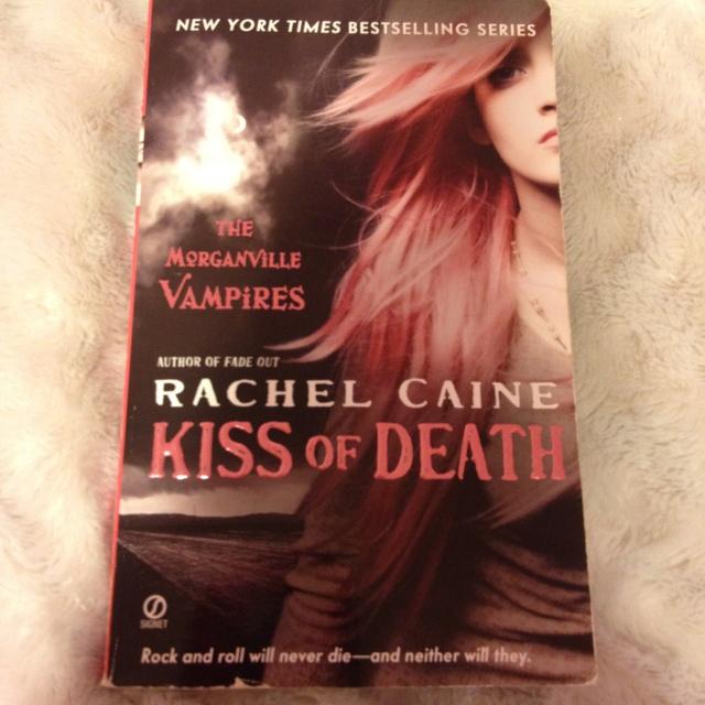 Morganville vampires book eight