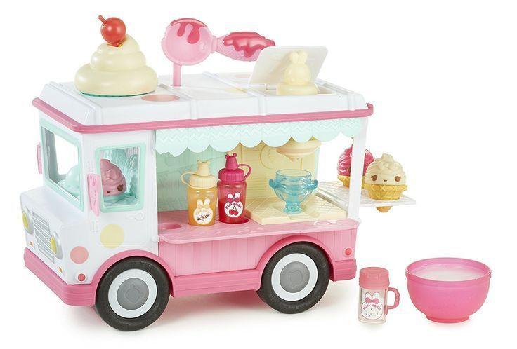 Num Nom Lip gloss truck is one of cool toys for 5, 6 and 7 year old girls! Num Noms are great playsets for girls!
