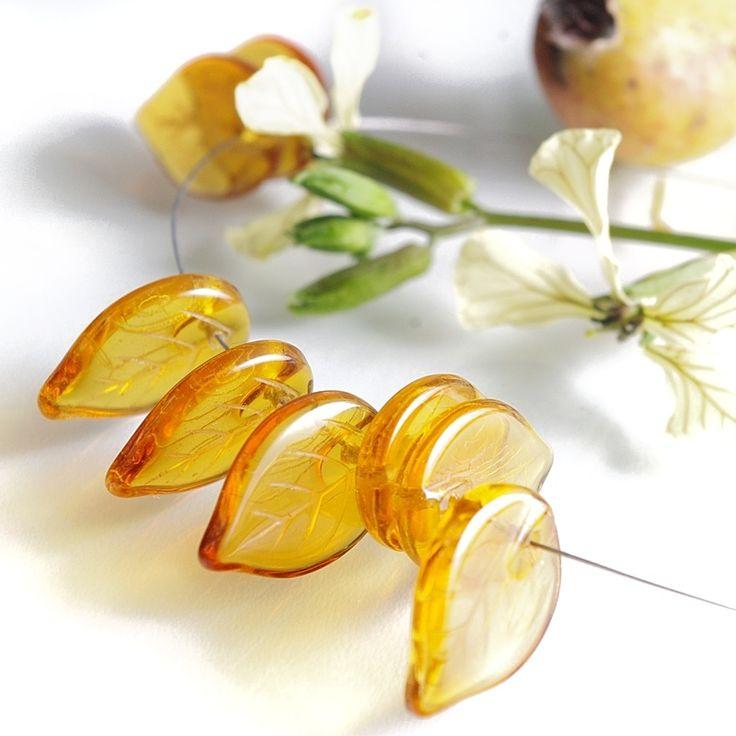 Jewery supplies -Leaves Glass Czech Beads - Yellow 18х13 mm -White Giraffe