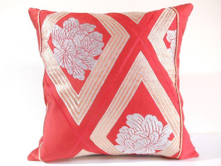Etsy のJapanese Silk Kimono Obi Pillow   354   decorative pillow   16x16  ,accent pillows,throw pillows,sofa pillows,couch pillows,designer pillows(ショップ名:KyotoZakka)