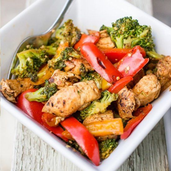 This delicious paleo mexican chicken stir fry takes just 15 minutes and is also take shape for life compliant!