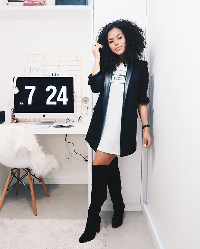 Inspirada no novo episódio Ousadoria Fashion by @zattinibrasil montei esse look com minha paixãaaao, que é minha over the knee! O blazer e o vestido tem o mesmo comprimento e essa é uma dica para parecer mais alta, mesmo com uma bota de cano longo! ✨ Como vocês usam esse tipo de bota? @zattinibrasil #ootd #intimasdaray | publi