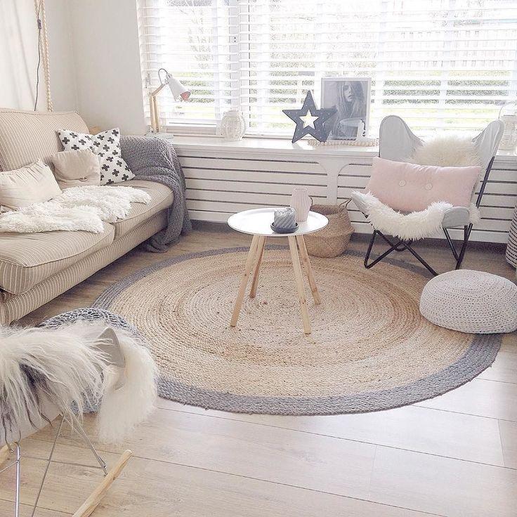Goodmorning ben alweer een paar uurtjes aan t werk. Zie af en toe toch nog een fijne zaterdag #scandinavian #homedesign #scandicinterior #myhome2inspire #scandinavischwonen #interiors #inredning #interieur #interior4all #homestyling #details #vtwonen #loods5 #kwantum #karwei by interiorlove81
