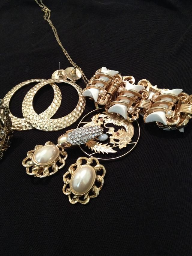 How to keep real fake jewelry from fading tarnishing for Does gold plated jewelry fade