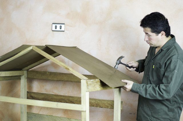 How to Build an Outdoor Nativity Stable (with Pictures)   eHow