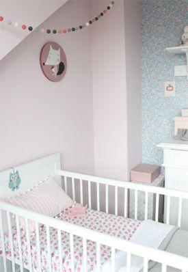 Brocante meisjes babykamer