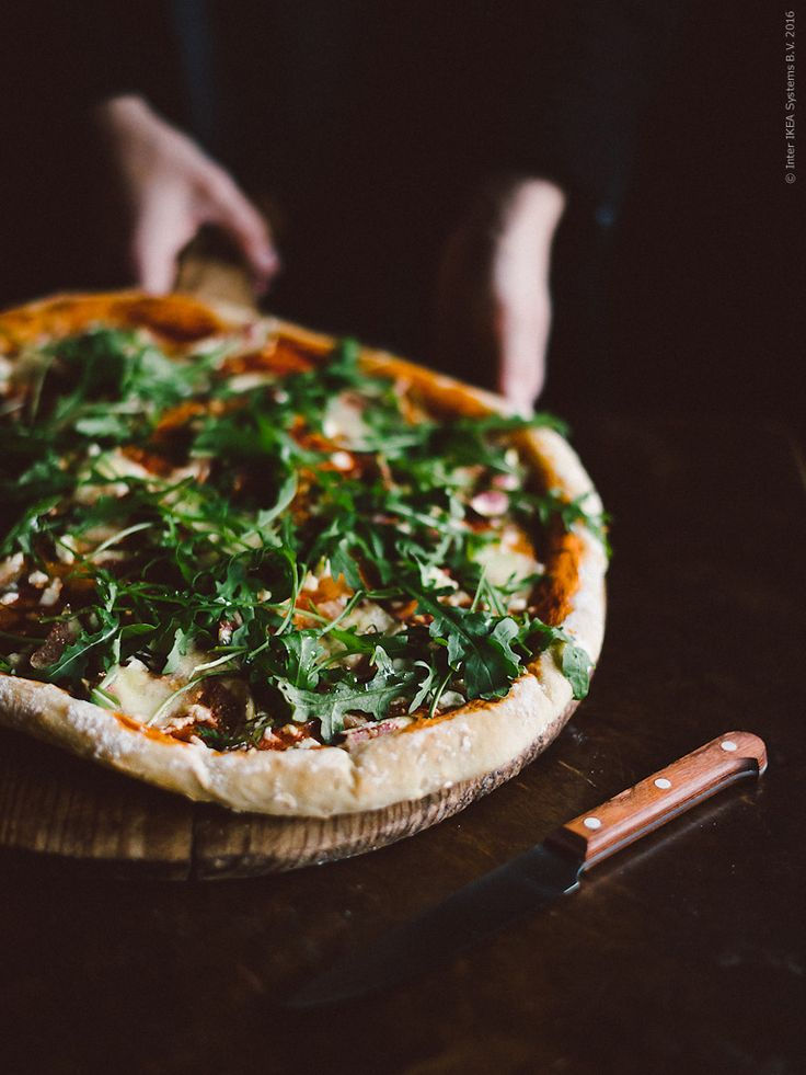 Pizza with figs and goat chees by Babes in Boyland