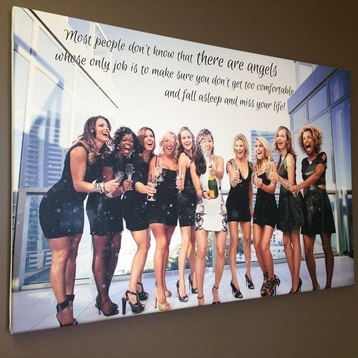 This is the most perfect thing I have ever seen. I want a Bachelorette group photo just like this one!