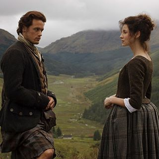 New/Old #Outlander Season1 pics with #SamHeughan and #CaitrionaBalfe as #JamieFraser and #ClaireFraser . TY @robideitalia . #OutlanderStarz #OutlanderSeries