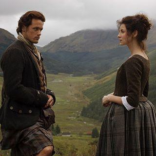 New/Old #Outlander Season1 pics with #SamHeughan and #CaitrionaBalfe as #JamieFraser and #ClaireFraser . TY @robideitalia . #OutlanderStarz #OutlanderSeries
