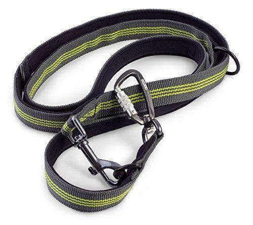 Aus der Kategorie Leinen  gibt es, zum Preis von EUR 56,90  EQDOG Pro Leash 3fach verstellbare Leine Dark Grey-Green Pro Leash Größenverstellbare Trainingsleine Suchst Du nach der perfekten Trainingsleine, die sich in der Länge verstellen lässt, 2 Leinenbefestigungspunkte hat und mit der mehr als ein Hund geführt werden kann? Genau so eine haben wir für Dich! Unsere neue Pro Leash ist ideal für?s Korrekturtraining wie z.B. Anti-Zug-Training und natürlich auch für?s tägliche Gassi gehen. Die…