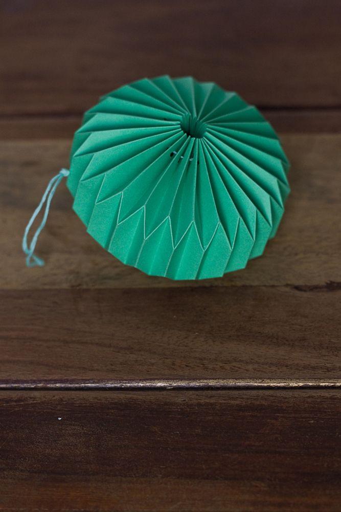 DIY origami ornament – Paper things pretty