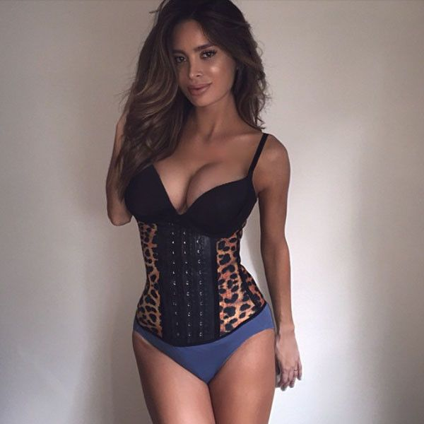 Model Sarah Stage Flaunts Slim Post-Baby Body, Tries Out Nursing Bra and Waist Cincher—See the Pics!  Sarah Stage, Instagram