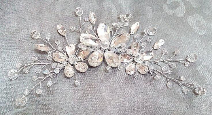Плетеная заколка для свадебной прически