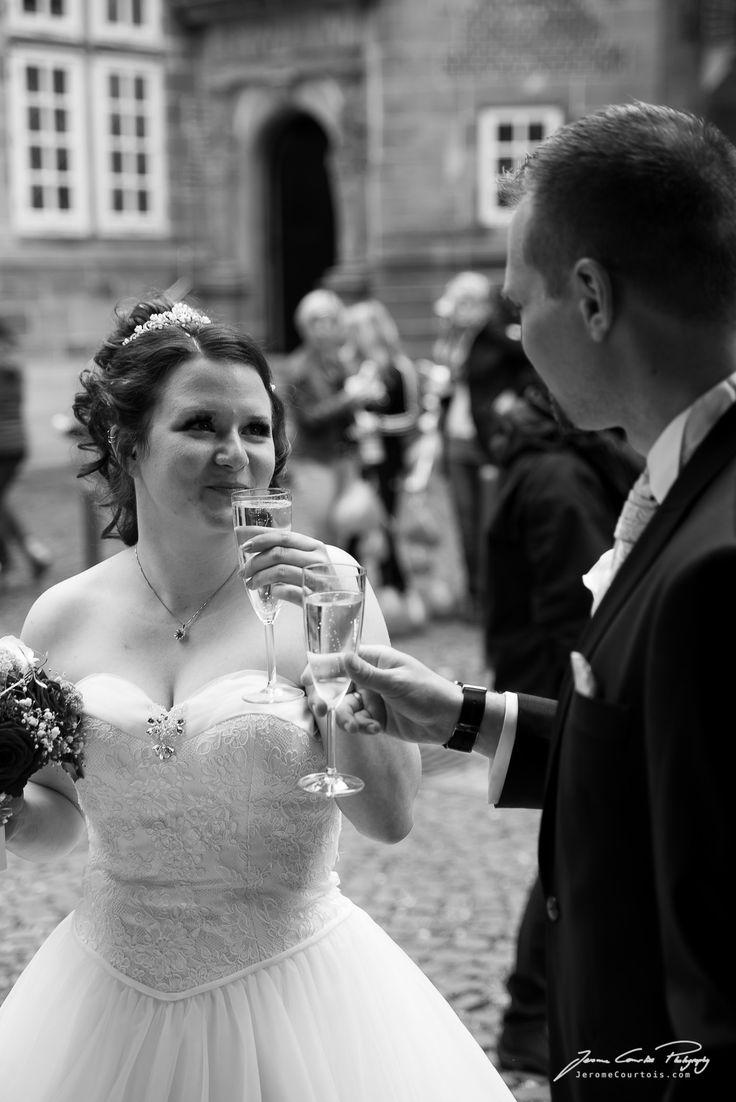 Hochzeitsreportage nach standesamtlicher Trauung am Schloss Landestrost Neustadt am Rübenberge - von Hochzeitsfotograf Jerome Courtois Photography