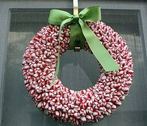 this website has HUNDREDS of cute wreath ideas.  The hardest part is going to be trying to decide which ones to make!Holiday, Candies Canes Wreaths, Christmas Wreaths, Ideas, Peppermint Candies, Candies Wreaths, Christmas Decor, Peppermint Wreaths, Crafts