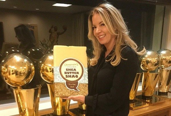 Jeanie Buss apologizes to Lakers fans for not firing brother sooner - http://www.truesportsfan.com/jeanie-buss-apologizes-to-lakers-fans-for-not-firing-brother-sooner/