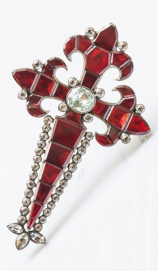 An antique silver, garnet and rhinestone cross pendant / brooch, 18th century. Length 7.5cm. #antique #pendant #brooch