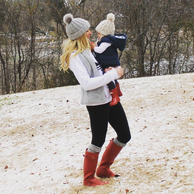 Adidas Original Outfit, Patagonia Vest Outfit, Hunter Boots Outfit, Hunter Boots