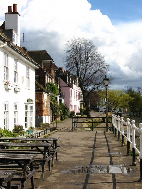 Strand-on-the-Green, Chiswick, London