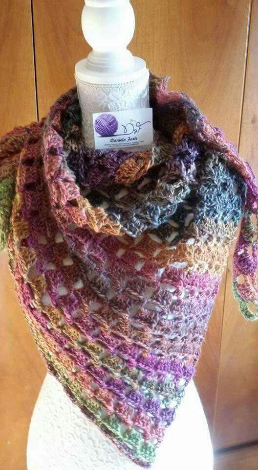Scialle lavorazione uncinetto in pura lana