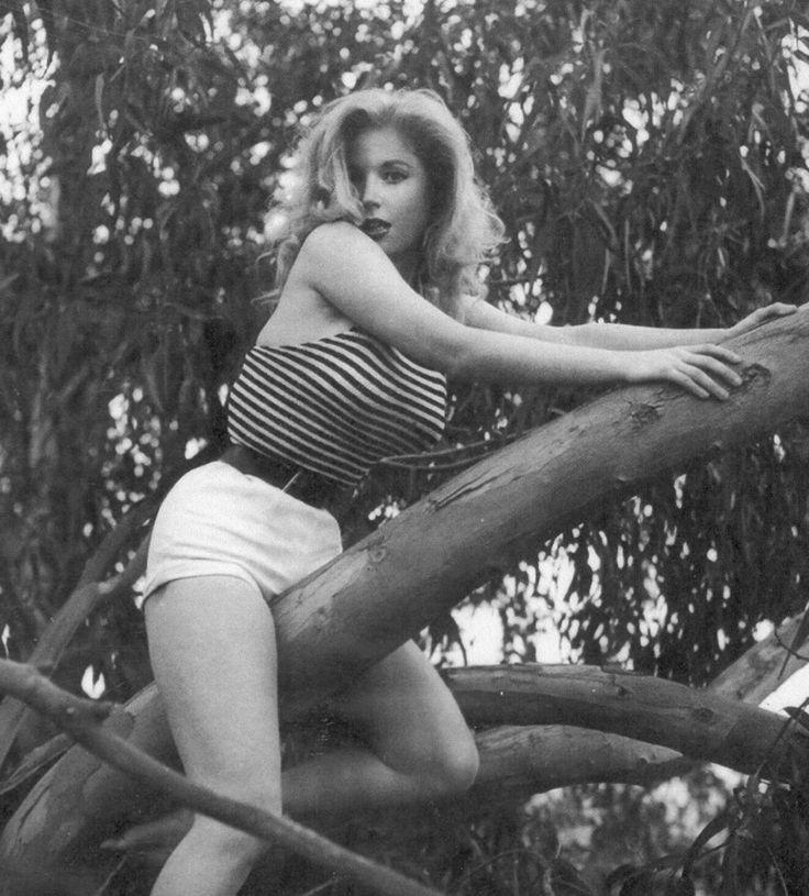Betty Brosmer~♡